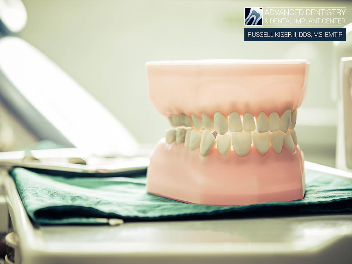 Professional Dentists In Teeth Restoration Give Tips To Prevent Common Partial Denture Issues